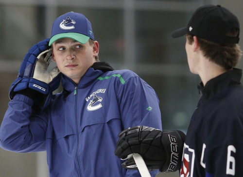 Qui veut Jake Virtanen?